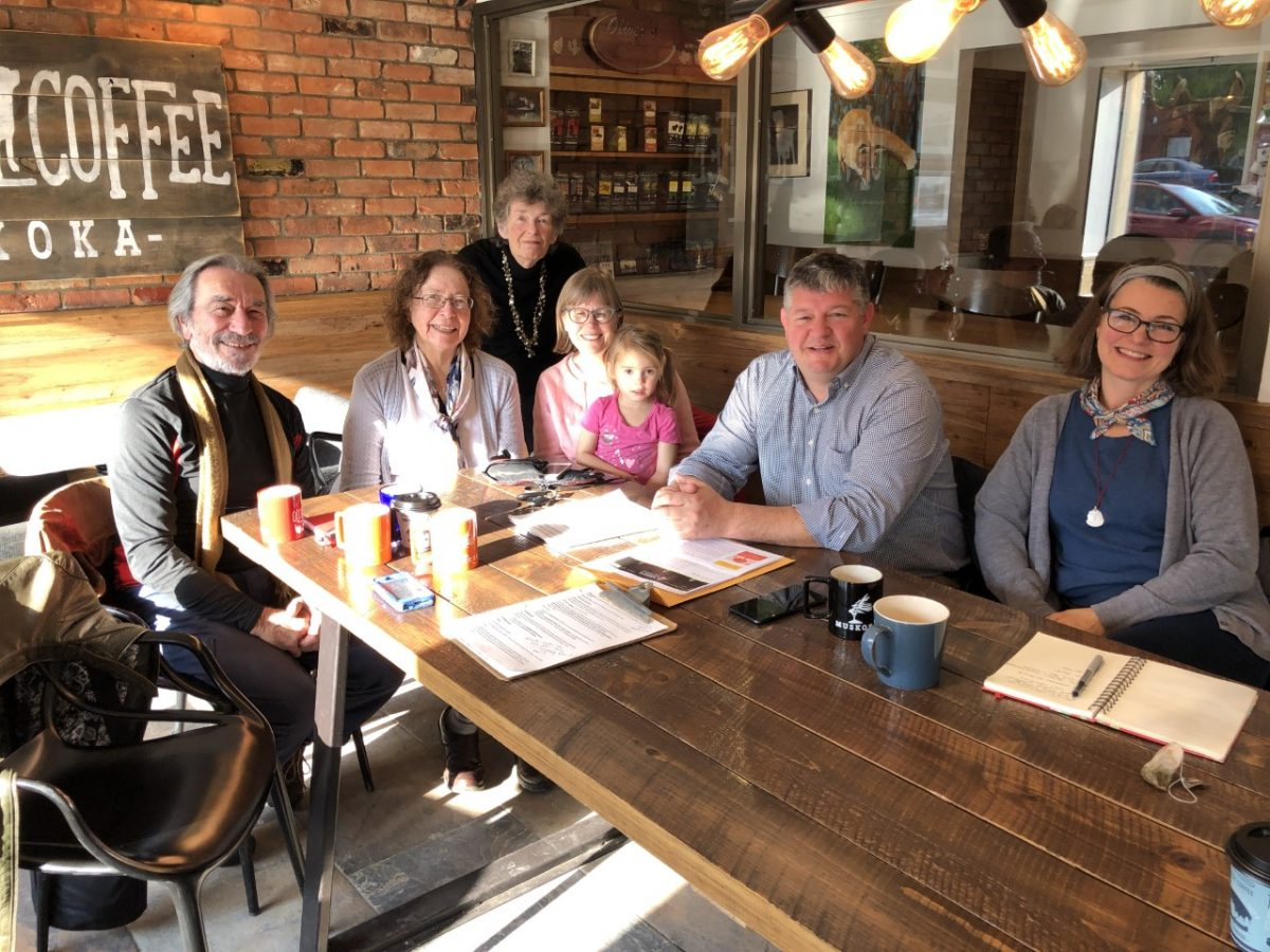 A group of citizens meets with Parry Sound-Muskoka MP Scott Aitchison